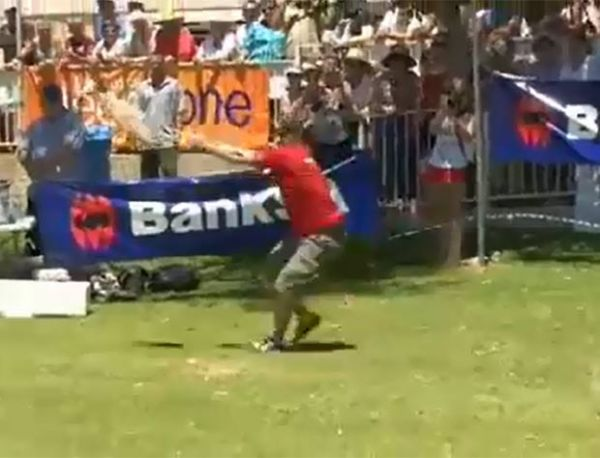 Australiano conquista tricampeonato de competição de arremesso de atum