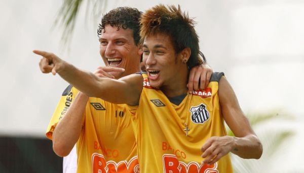 Ex-jogador diz que ida de Neymar ao Barcelona está avançada