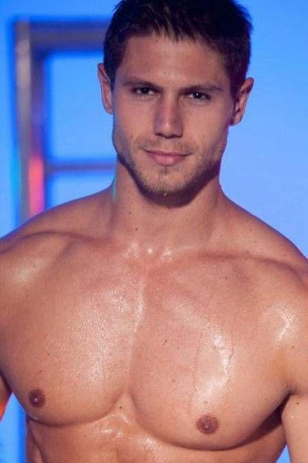 BBB 12: Jonas foi eleito Mister Brasil Mundo em 2010; fotos!