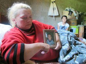 Criança que caiu do colo da mãe e sumiu ainda não foi achado
