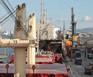 Temendo crise, governo estuda medidas para elevar exportações