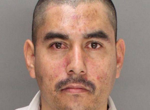 Homem é preso após exibir genitália e realizar ato sexual