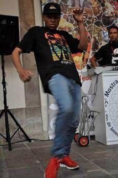 Gambá, rei dos passinhos de funk, é assassinado e enterrado como indigente