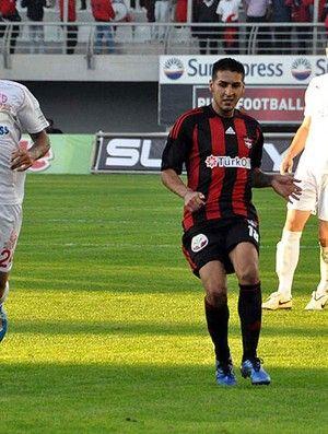 Na busca por atacante, Palmeiras negocia com argentino Ismael Sosa