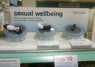 Rede de drogarias vende sex toys ao lado de sanduíches e remédios