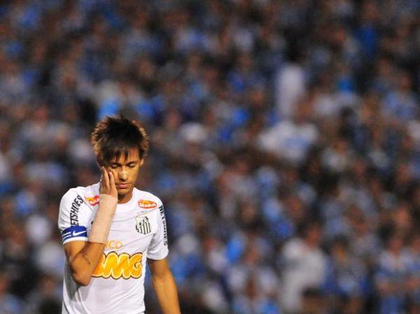 CBF nega adiamento, e Santos perde Neymar por até 4 rodadas