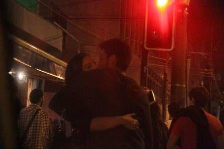 Rodrigo Simas beija duas e termina noite em papo animado com Giovanna Lancellotti