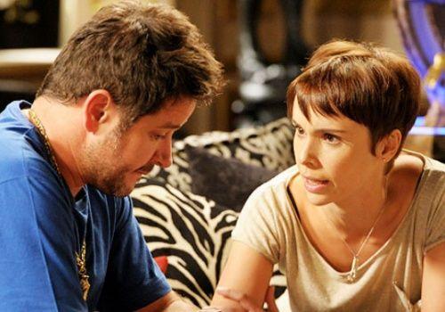 Murilo Benício tenta aproximar sua mãe da atriz Débora Falabella
