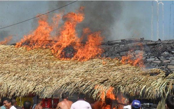 Em Piripiri, barraca de palha é destroída por incêndio