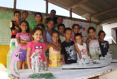 Menino de 15 anos constrói seus próprios brinquedos sozinho