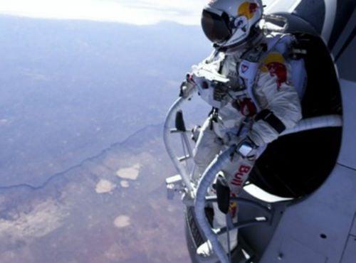 De olho no recorde mundial, austríaco tenta salto estratosférico neste domingo