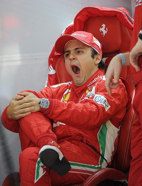 Ferrari rejeita Vettel e marca reunião com Massa