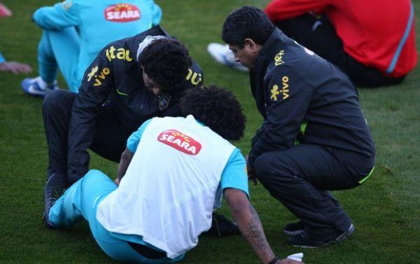 Marcelo fratura o pé e só voltará aos gramados no início de 2013