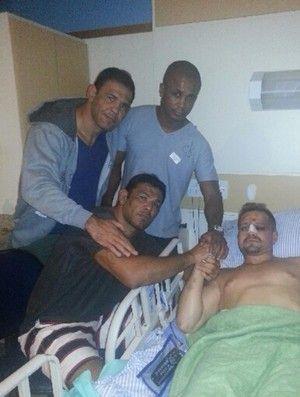 Minotauro visita Maldonado após luta que teve interrupção médica no UFC