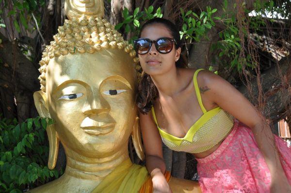 Ex-BBB Gyselle Soares se diverte na Tailândia
