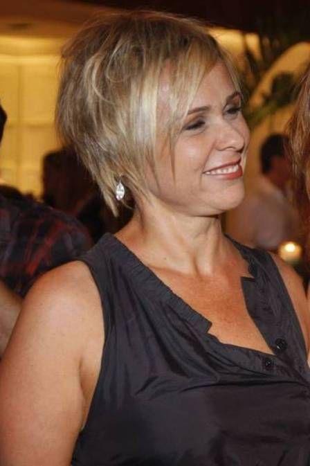 Giulia Gam é processada por calote em condomínio no Leblon