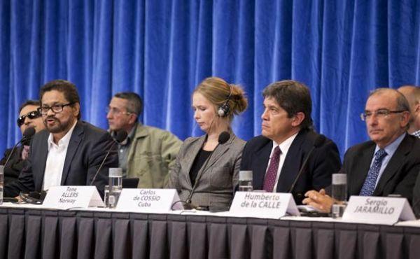 Governo da Colômbia e Farc iniciam processo de paz na Noruega