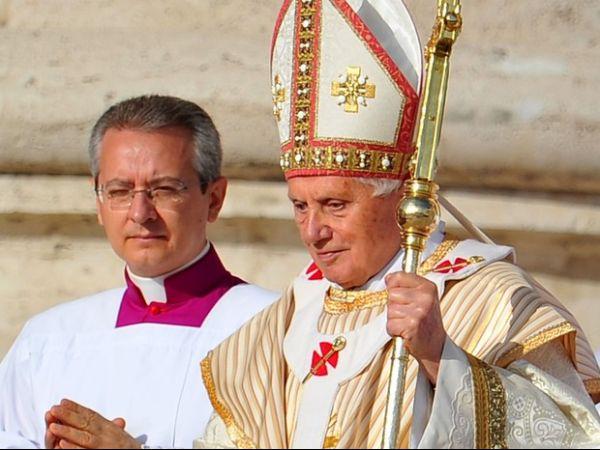 Papa canoniza sete novos santos em missa realizada no Vaticano