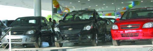 IPI reduzido para automóveis acaba dia 31 e consumidores lotam concessionárias em THE