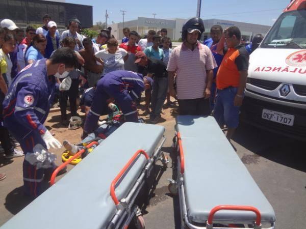 Acidente envolvendo moto e caminhão deixa duas feridas em Floriano