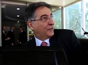 Presidenta intervém para arquivar processos do ministro Pimentel