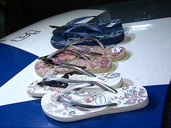 Tio usa sobrinha para furtar sandálias de supermercado, diz polícia