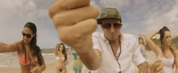 Novo clipe de Latino vaza na web e cantor reclama: