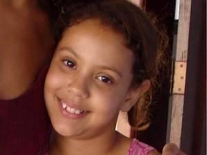 População destrói casa de suspeito de matar menina em Goiás