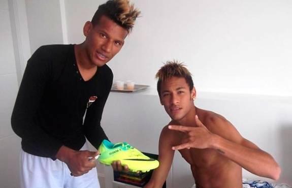 Craque Neymar tem cover oficial que sonha com a Copa de 2014