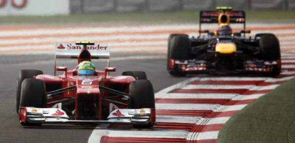 Vettel domina os dois treinos na Índia; Massa sofre e fica só em 15º