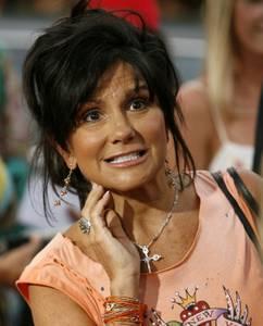 Mãe de Britney Spears diz que ex-empresário drogava a cantora