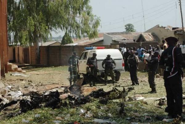 Ataque a igreja católica deixa 8 mortos e 145 feridos na Nigéria
