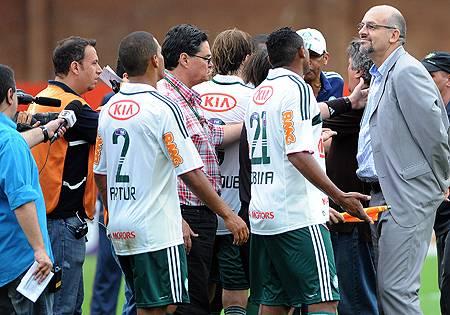 Palmeiras cogita anular jogo com o Internacional. Entenda