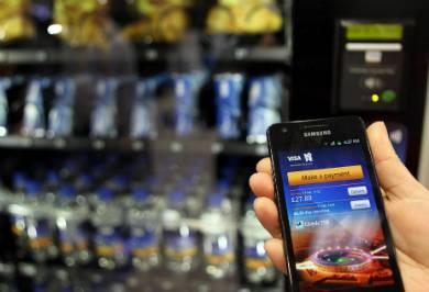 Governo anuncia hoje sistema de pagamentos móveis via celular