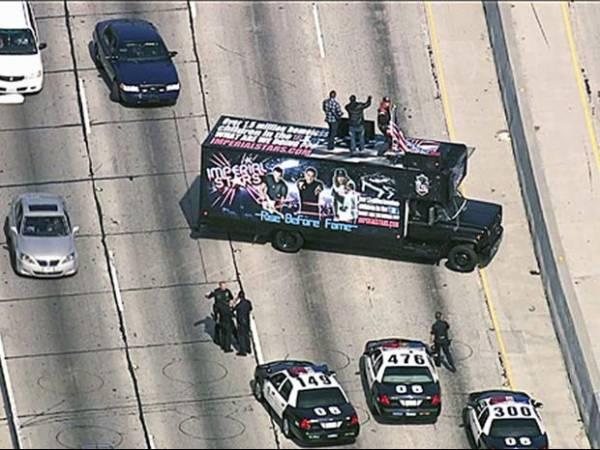 Banda é condenada após bloquear rodovia e fazer show improvisado