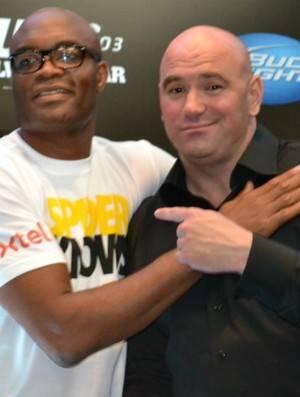 Dana White garante que Anderson Silva e Jon Jones vão lutar
