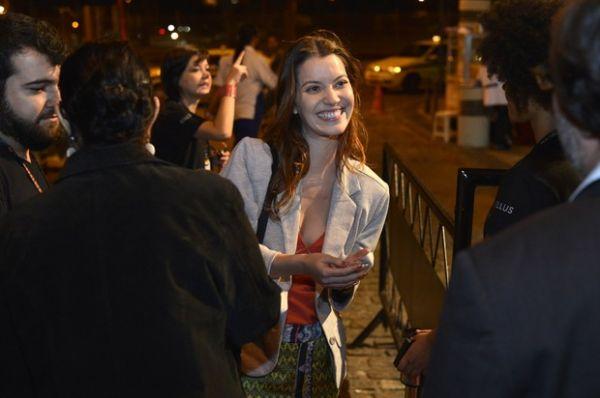 Nathalia Dill chega atrasada e quase é barrada em Festival