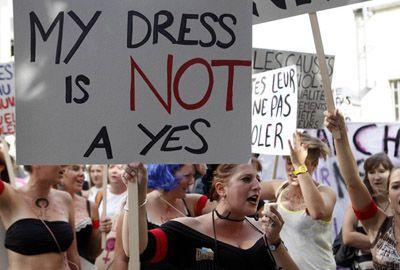 Na Suíça, mulheres fazem ?Marcha das Vadias? contra violência sexual