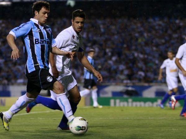 Reservas decidem, e Grêmio vira contra Cruzeiro no Olímpico