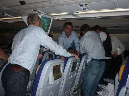 Russos embriagados provocam pouso forçado de avião em Recife