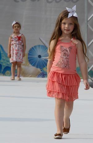 Duda Bündchen e famosos desfilam no Kids Fashion Show