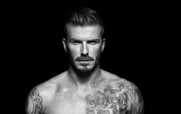 Filho de David Beckham copia tatuagem do pai jogador