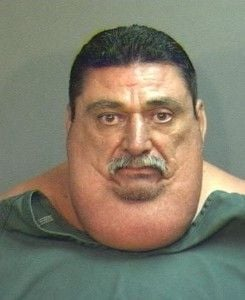 Ladrão de 190 quilos é capturado ao não conseguir fugir da polícia