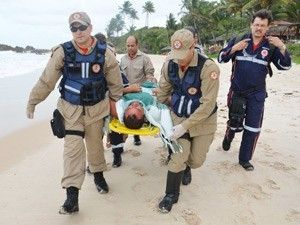 Tio e sobrinho contam momentos de desespero após naufrágio na Paraíba