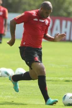 Para preparador, Adriano logo estará no nível do grupo do Fla: