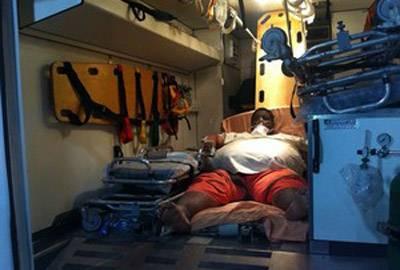 Família não quer que obeso resgatado de casa deixe hospital