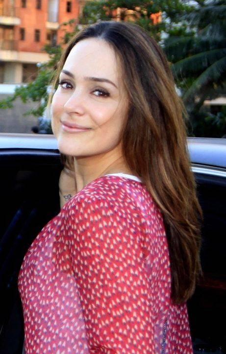 Após gravidez, Gabriela Duarte diz não ter neurose com corpo