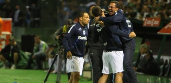 Jogadores do Grêmio aderem à campanha