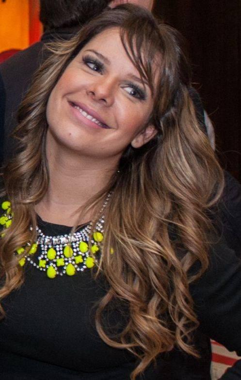 Sem Thiaguinho,  Fê Souza viaja para temporada em Portugal