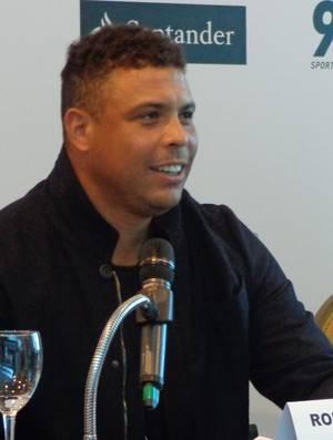 Ronaldo diz que quer emagrecer para dar